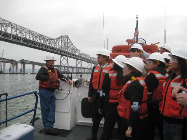 SF_FELLOWS_LEARNING_ABOUT_BAY_BRIDGE_CONSTRUCTION-1